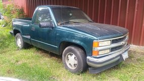 1996 Chevy step-side in Cleveland, Texas