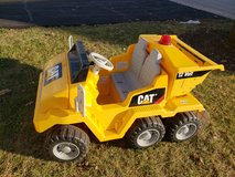 Battery operated ride on vehicle in Naperville, Illinois