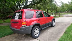 1 OWNER Ford Escape 4X4 Low miles LOADED in Spring, Texas