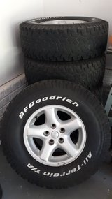 Jeep Wrangler Rims and Tires Set of 5 31x10.50xR15 in Quantico, Virginia