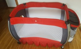 Travel Baby Crib inc. bedding set & mattress in Ramstein, Germany