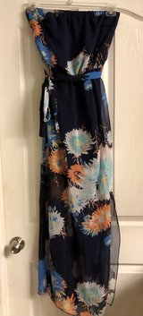 Floral sleeveless dress size Small in Columbus, Georgia