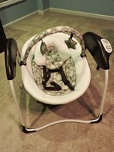 Graco Glider Swing in Fort Campbell, Kentucky