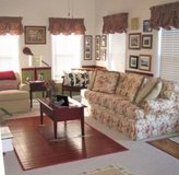 King Hickory Full size Sofa & Accent Chair in Camp Lejeune, North Carolina