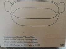 PAMPERED CHEF  CLASSIC LARGE BAKER in Cherry Point, North Carolina