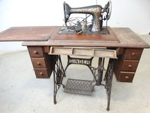 Antique Singer Sewing Machine in Table in Pearland, Texas