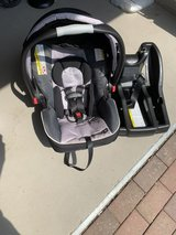 Graco snugride 35 car seat with base in Wiesbaden, GE