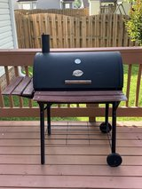 Chargriller smoker/charcoal grill in Camp Lejeune, North Carolina