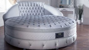 UF NEW - Dream Round Bed - Brand New! in Ramstein, Germany