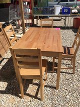 Dinette set in Alamogordo, New Mexico