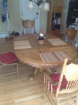 Oak Table and  6 Chairs in Bolingbrook, Illinois
