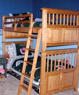 Solid Pine Twin Bunk Bed Set (Dressers, Desk, Hutch also Available) in Kingwood, Texas