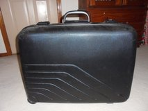 SUITCASE (black) in Tinley Park, Illinois