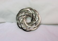 """New Silver Tone Circle Brushed Metal 2.5"""" Geometric Round Scarf Brooch Hat Pin Lapel in Kingwood, Texas"""