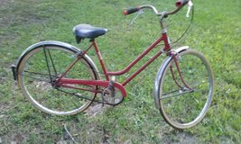 Vintage SCHWINN Ladies Bike in Cleveland, Texas