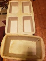 Pampered Chef  stone loaf and mini loaf pans lot in Fort Campbell, Kentucky