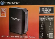TrendNet Dual Band Wifi Router - Model TEW-812DRU in Glendale Heights, Illinois