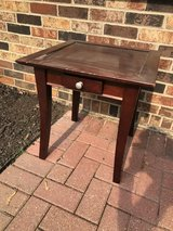 cute square End table in Naperville, Illinois