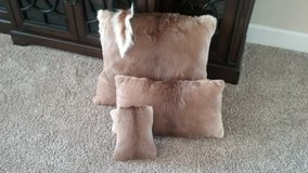 Whitetail deer hide pillows in Alamogordo, New Mexico