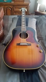 Vintage Guitar Original 1957 Gibson J-160E Sunburst w-hardshell case in Kingwood, Texas