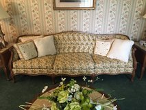 6 piece Vintage French Provencial living Room furniture in Fort Polk, Louisiana