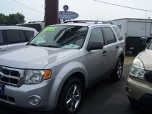 FORD ESCAPE XLT LOADED LEATHER AUTO LOW MILES ~REDUCED~ in Camp Lejeune, North Carolina
