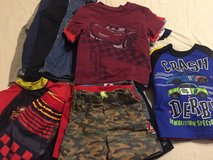 Boys 2t clothes in Baytown, Texas