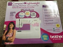 Brother LX-3125E Compact Lightweight Sewing Machine in Tinley Park, Illinois