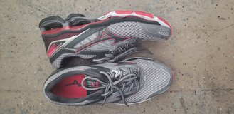 Like new Mizuno wave prophecy 6 womens in Nellis AFB, Nevada