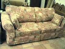 Couch, flower  pattern in Alamogordo, New Mexico