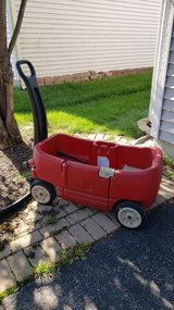 Toddler wagon in Bolingbrook, Illinois