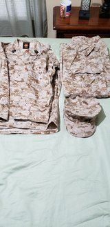 USMC Medreg Dessert Cammies set and Cover (Reduced) in Camp Lejeune, North Carolina