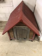 Dog House with Wood Floor in Fort Knox, Kentucky