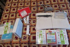 Wii board with Wii Sports and Wii Fit, complete set in Warner Robins, Georgia