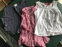 Women's Shirts (Large) in Chicago, Illinois