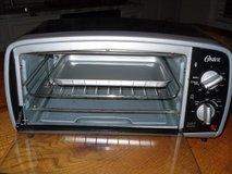 OSTER TOASTER OVEN 4 SLICE in Beaufort, South Carolina