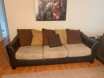 nice couch no stains or rips in it in Fort Leonard Wood, Missouri