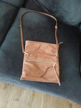 Brown crossover purse in great condition in Plainfield, Illinois