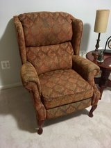 Recliner, Cloth in Fort Belvoir, Virginia