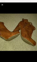 Sz.7.5 Ankle Booties in Beaufort, South Carolina
