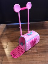 Minnie Mouse Pet Carrier/Roller in Bartlett, Illinois