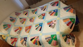 QUILT, HAND MADE, VINTAGE in Alamogordo, New Mexico