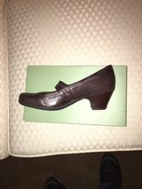 CLARKS WOMEN SHOES (REDUCED PRICE) in Kingwood, Texas
