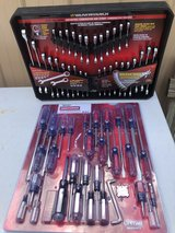 Gear 32 PC Ratcheting Wrench Set & 41 PC Screwdriver Set in Fort Knox, Kentucky