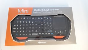Mini Bluetooth Keyboard + Built-in Touchpad * Cleaning out sale... in Wiesbaden, GE