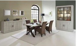 United Furniture - Antonia Dining - - China + Table + 4 Chairs + Sideboard including delivery in Stuttgart, GE