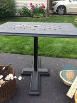 Patio table in Glendale Heights, Illinois