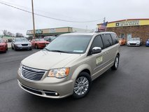 2014 CHRYSLER TOWN & COUNTRY TOURING-L MINIVAN V6 3.6 LITER in Fort Campbell, Kentucky