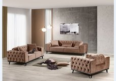 United Furniture - Leon Living Room Set - The large sofa has a bed - in Brown and Emerald Green in Wiesbaden, GE