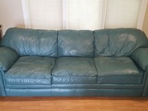Leather couches in Glendale Heights, Illinois